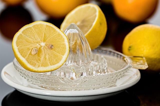 Mit dem Rauchen aufhören - Zitronensäure